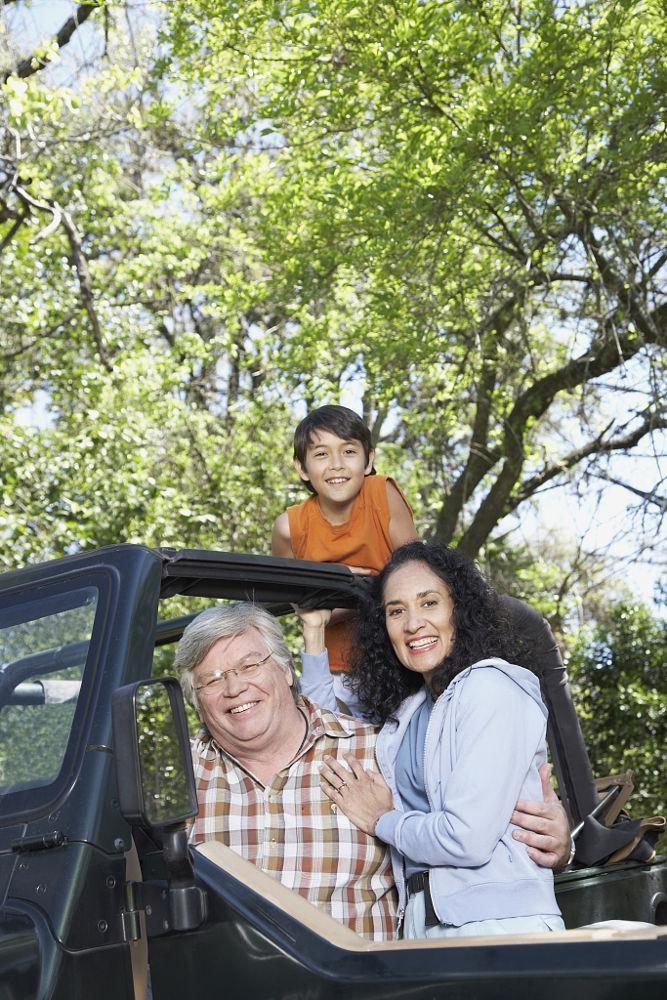 Đi du lịch cùng ông bà sẽ giúp tình cảm gia đình thêm ấm áp
