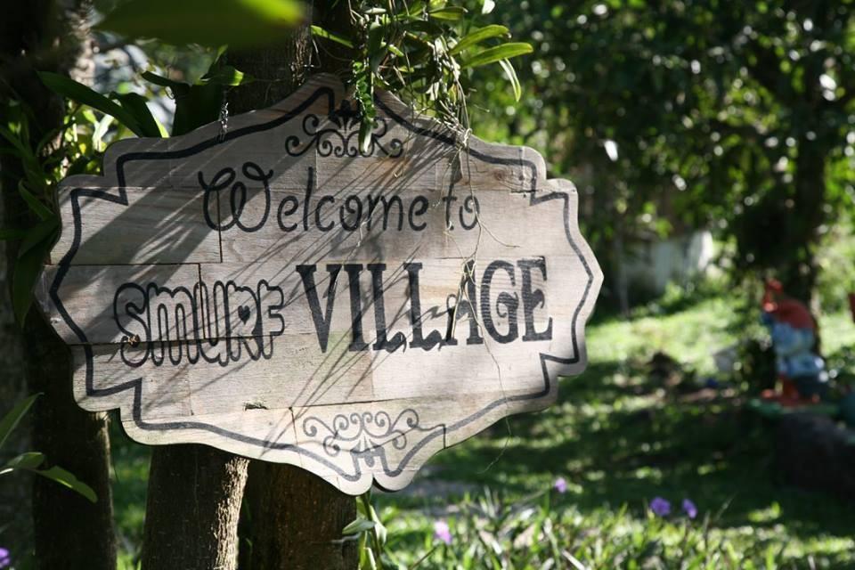 Chào mừng bạn đến với ngôi làng của Xì Trum