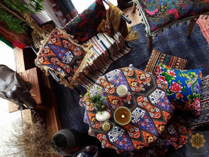 Nơi người ta chủ yếu sử dụng các loại vải họa tiết bắt mắt và màu sắc sặc sỡ