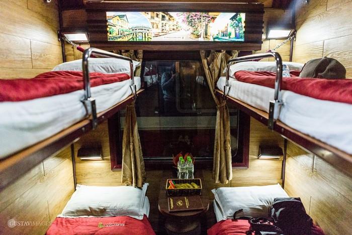 Giường nằm trên tàu