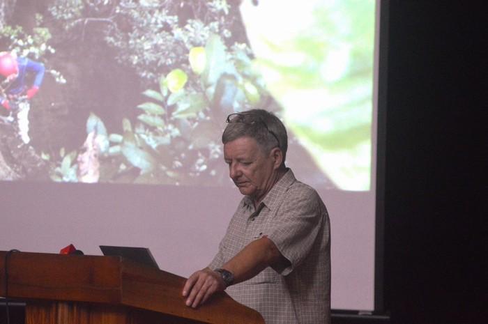 Chuyên gia Howard Limbert trình bày về các hang động