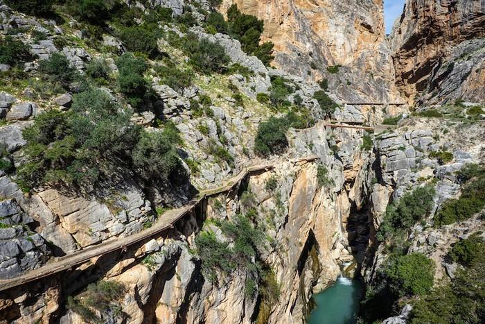 Nhờ tu sửa mà hiện nhiều du khách đã có thể tới đây chiêm ngưỡng vẻ đẹp hùng vĩ của hẻm núi được ví như kiệt tác của thiên nhiên này. Tuy nhiên, với tinh thần của những kẻ ưa mạo hiểm thì có thể đây lại là một tin đáng tiếc đối với họ.