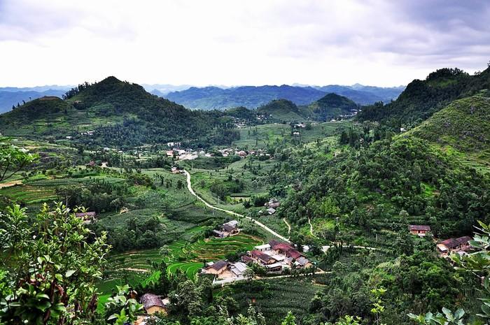 Mây núi và bản làng