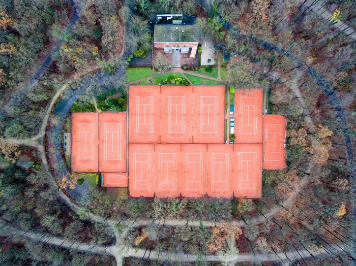 Sân tennis trong quận Bransfeld, thuộc thành phố Cologne, Đức.