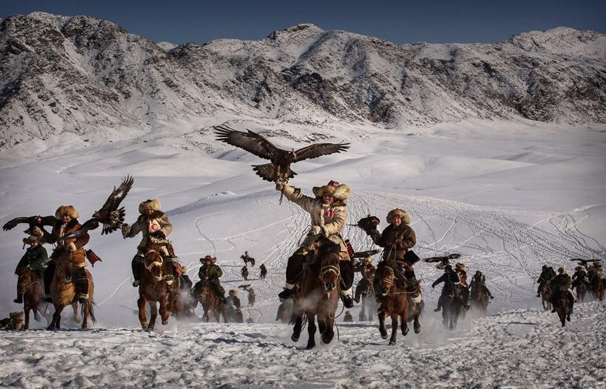 Chim đại bàng biểu tượng của Kazakhstan