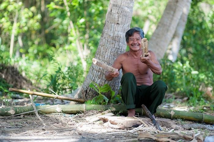 Nụ cười đôn hậu ấm lòng của người dân miền biển xứ Quảng
