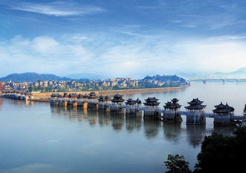 Cầu Quảng Tế được xếp vào 4 cây cầu cổ nổi tiếng nhất Trung Quốc (tứ đại cổ kiều) – ba cây cầu cổ khác là An Tế ở Hà Bắc, Lạc Dương ở Phúc Kiến và Lư Cầu ở Bắc Kinh.