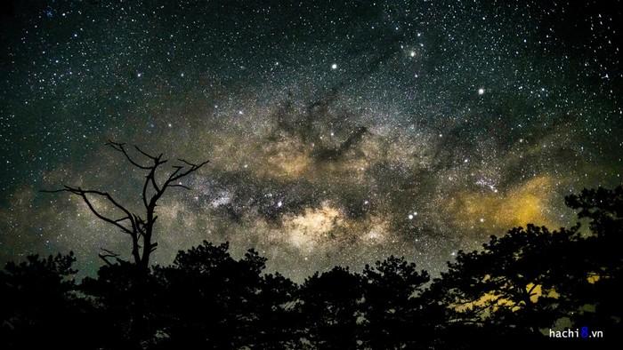 Tà Năng - Phan Dũng - Vào khoảng thời gian này trời trong, rất thích hợp để bạn ngắm bầu trời đầy sao cùng dải ngân hà kỳ vĩ.