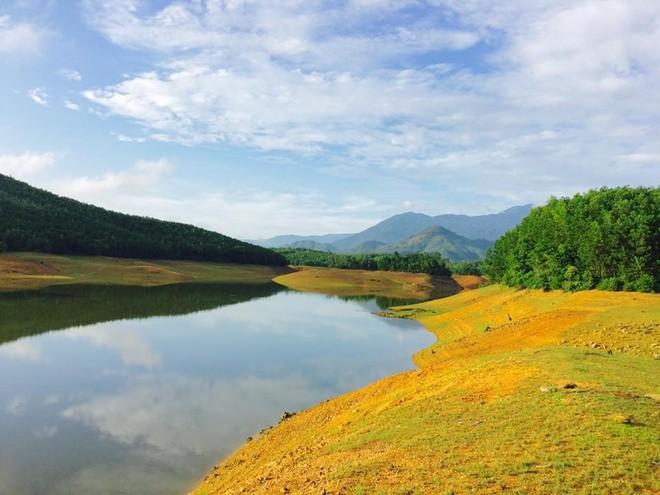 Vùng non xanh nước biếc Hòa Trung
