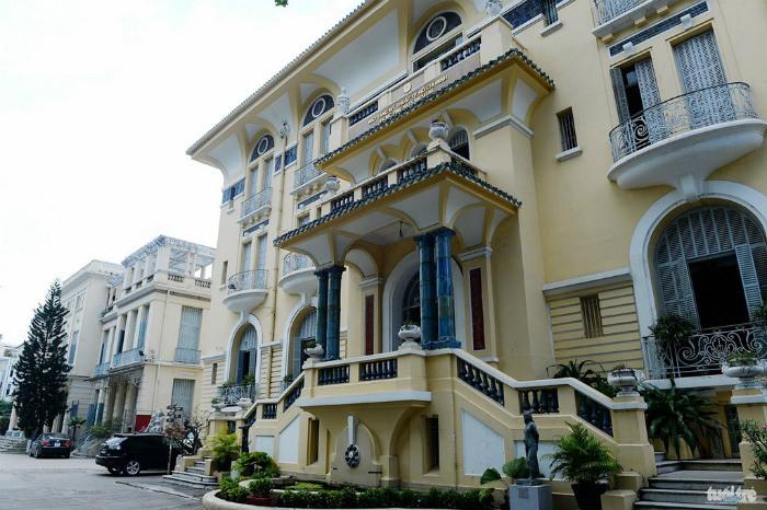 Lối kiến trúc Tây - Ta kết hợp rất ưa hìn của bảo tàng Mỹ Thuật Sài Gòn
