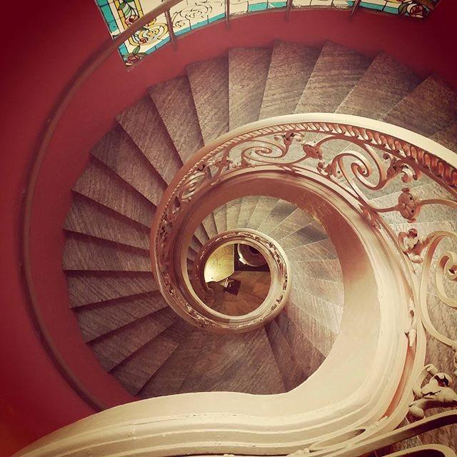 Có chiếc cầu thang xoắn ốc ở bảo tàng Mỹ Thuật đúng chuẩn kiến trúc châu Âu