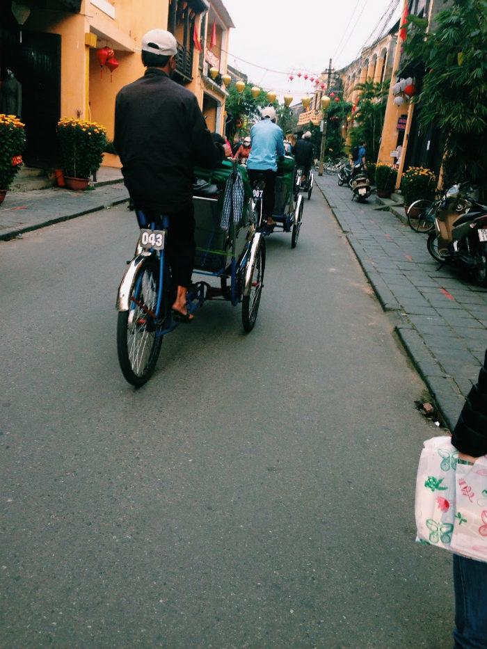 Ở Hội An, tham quan bằng xích lô hay xe đạp mới là đặc trưng