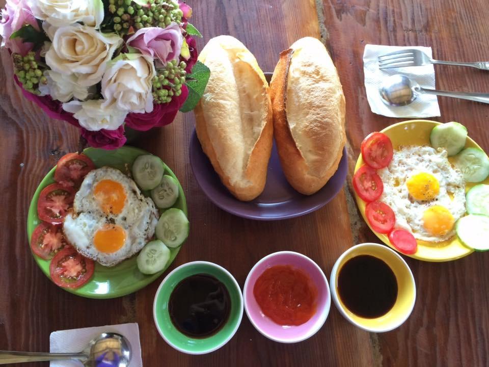 Bữa sáng tại HomeFarm