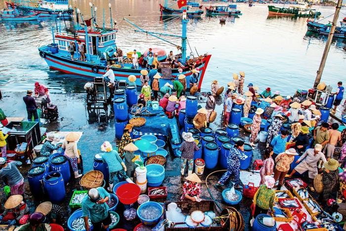Chợ hải sản - nét đẹp miền biển ở Nha Trang