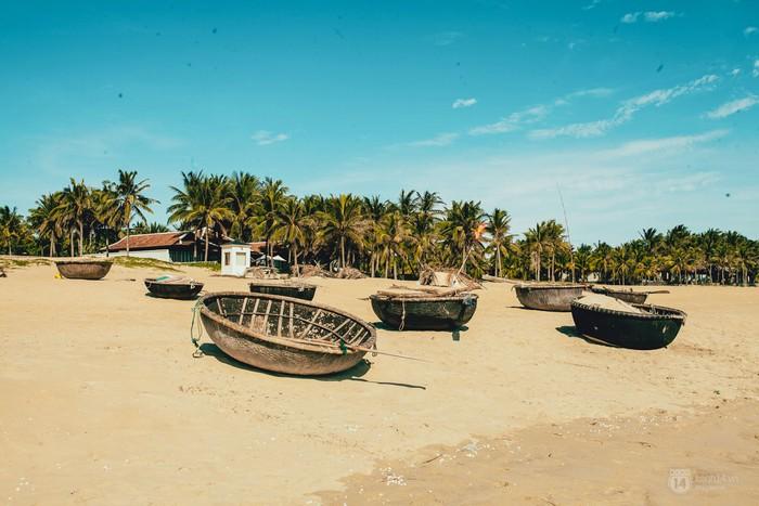 Bãi biển Hà My – thanh bình và chưa in nhiều dấu chân du khách. 2