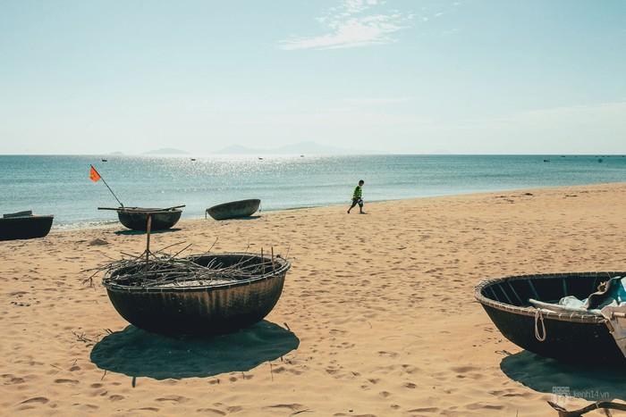 Bãi biển Hà My – thanh bình và chưa in nhiều dấu chân du khách. 1