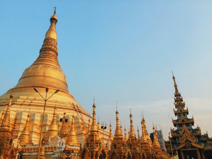 Ngôi chùa vàng đẹp và linh thiêng ở Yangon