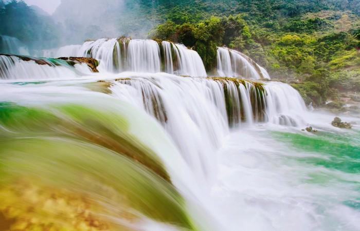 Ngọn thác tự nhiên lớn nhất Đông Nam Á