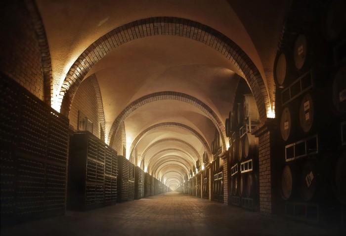 Hành lang trong lâu đài đậm nét bí ẩn, kỳ bí