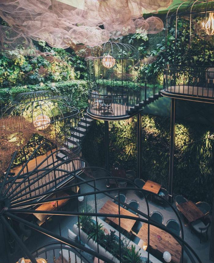 Nghẹt thở với không gian độc đáo, đẹp mê hồn của Café Terrace