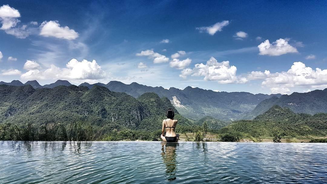 Hồ bơi giữa thiên nhiên bạt ngàn của Puluong Retreat