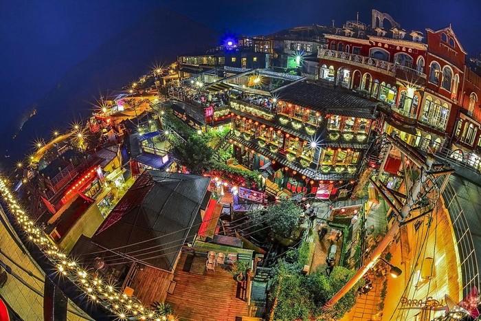 Làng cổ Jiu Feng về đêm