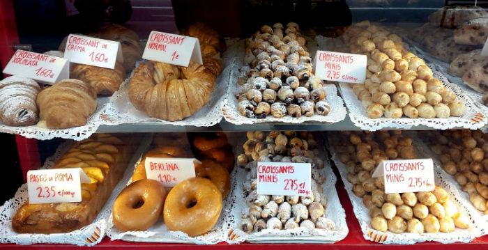 """""""Sát thủ cân nặng"""" Barcelona với """"vũ khí"""" là những loại bánh hấp dẫn - Ảnh minh họa: Eliseo Rando"""