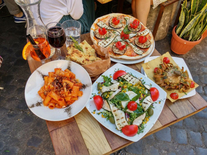 Thưởng thức một bữa tối hấp dẫn tại Rome, Italy - Ảnh minh họa: Nico Wohlgemuth