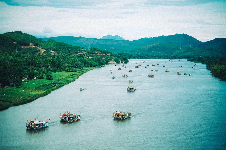 Lững lờ thuyền trôi - Ảnh: Tuấn Lộc Lê
