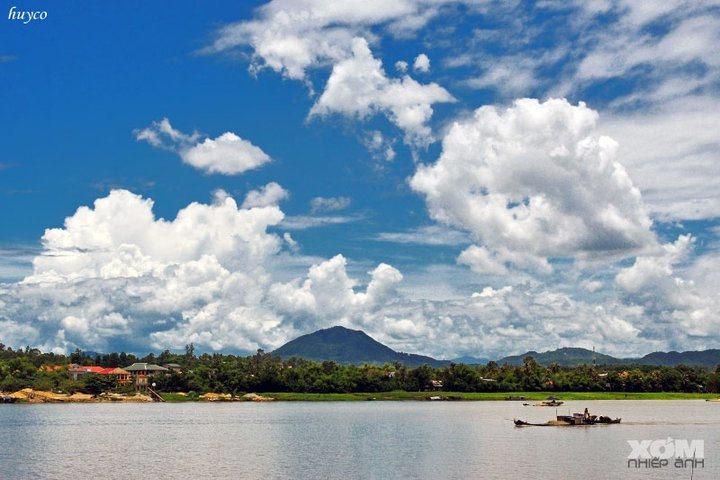 Đây sông Hương, kia núi Ngự - Ảnh: @DUNG BUI HUU
