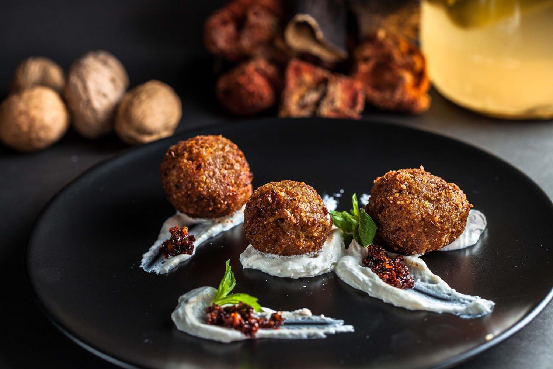 Kibbeh – món ăn truyền thống hấp dẫn của Beirut - Ảnh: Mehmet Çekirge