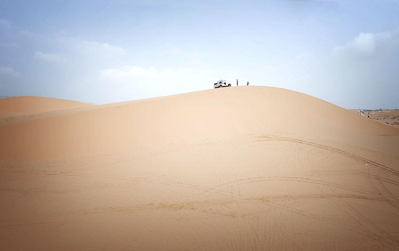 Và thử cảm giác mạo hiểm trên những triền cát rộng mênh mang
