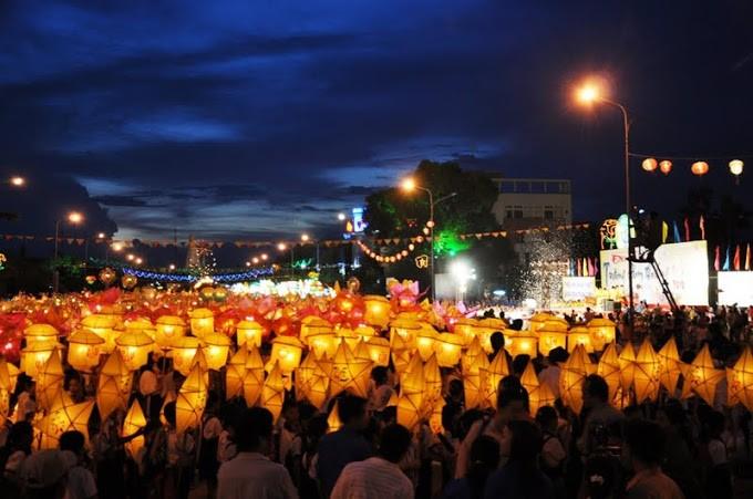 Lễ rước đèn trung thu ở Phan Thiết