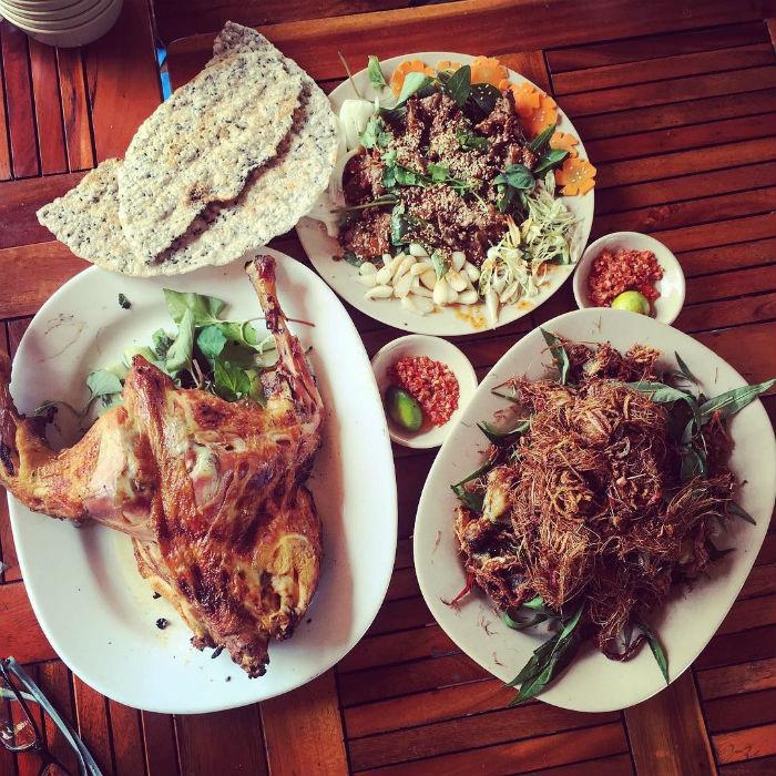Món ăn dân giã nhìn phát thèm ở Tứ Phương Thất Đảo