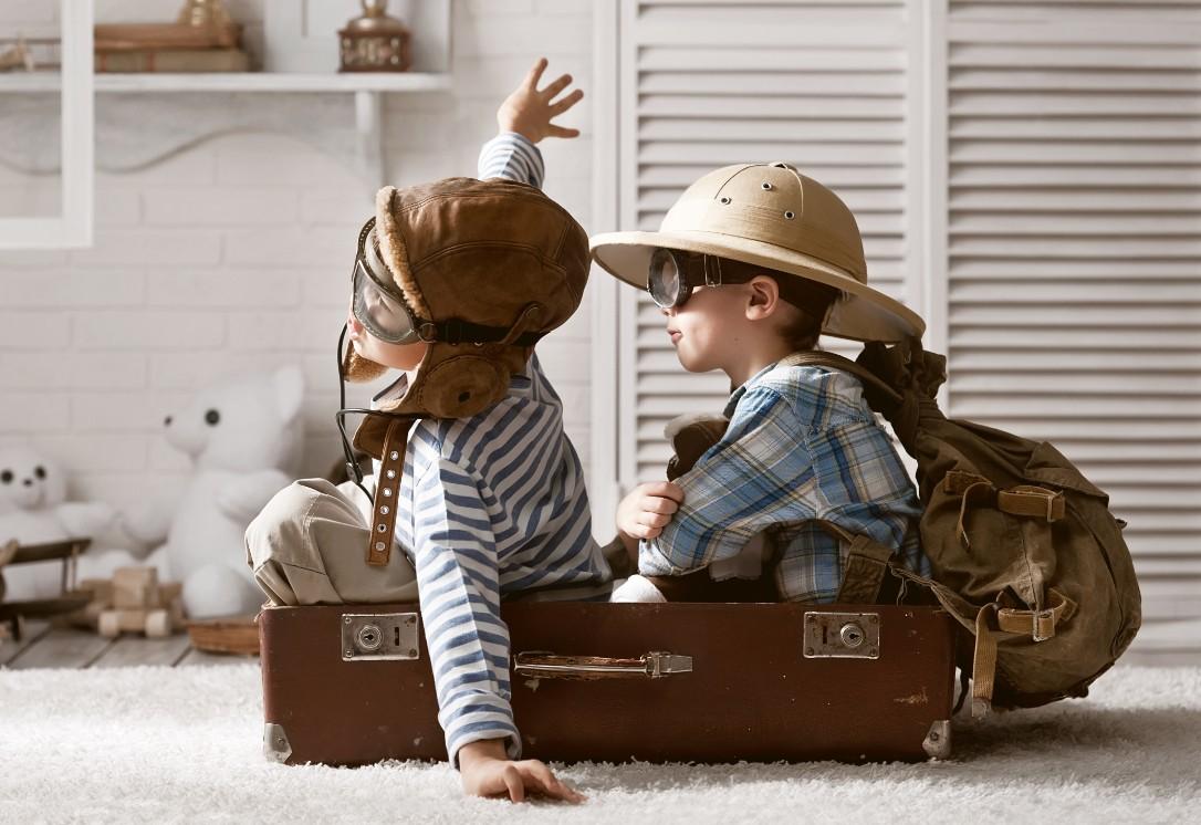 Trẻ nhỏ vô cùng năng động và hiếu kỳ khám phá thế giới