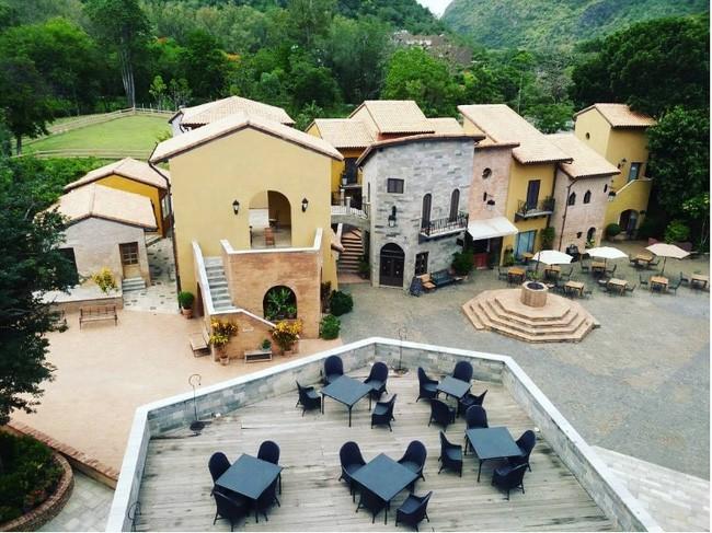 Một góc của ngôi làng Primo Piazza nhìn từ trên cao.