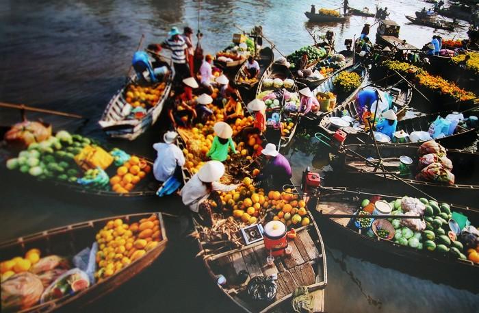 Rồi về chợ nổi để khám phá văn hóa giao thương vùng sông nước