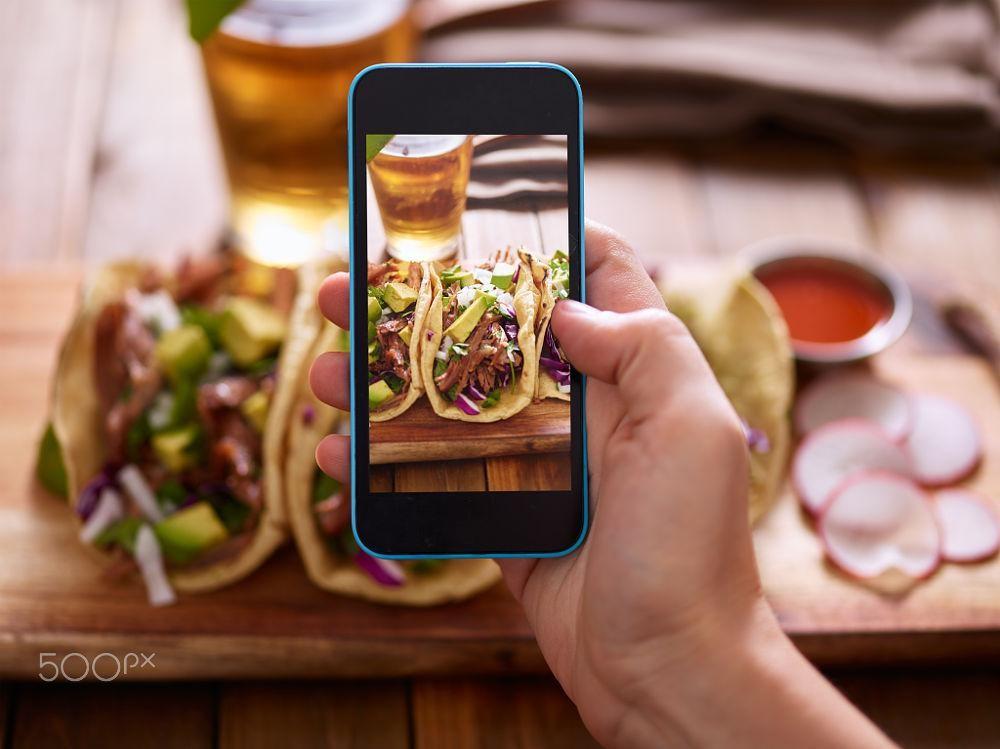 Smartphone – vật dụng không thể thiếu trong những chuyến đi -