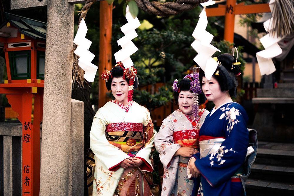Các Geisha thường già dặn hơn rất nhiều so với các Maiko