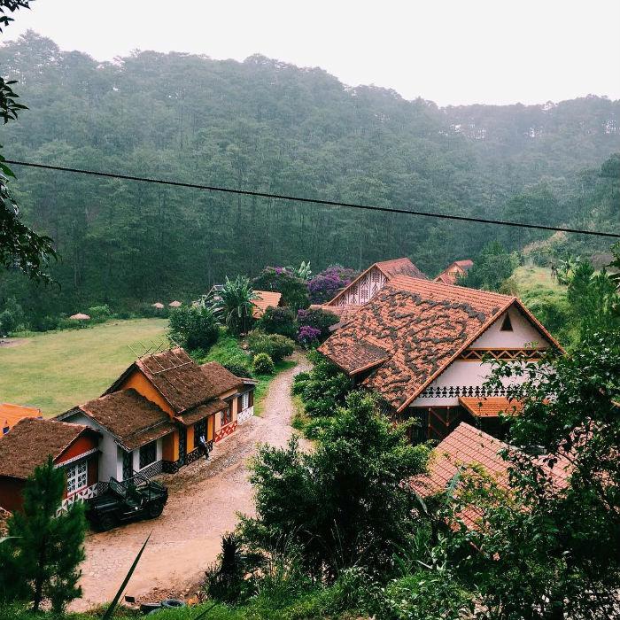 Điểm xuyến cho ngôi làng thêm sắc màu