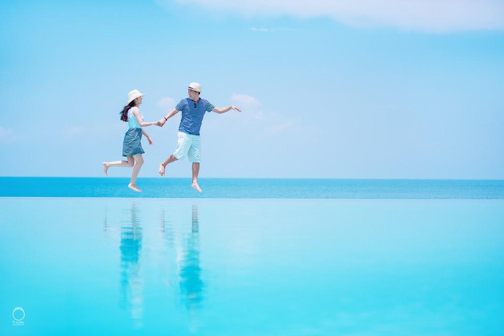 Nắm tay nhau dạo chơi ở Phú Quốc