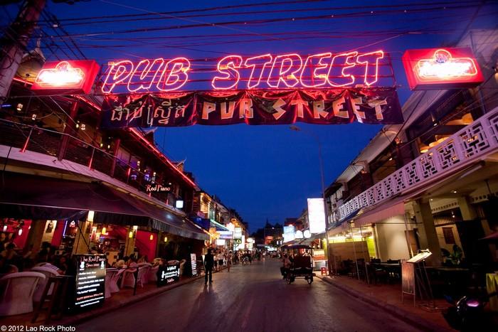 Phố ăn chơi Pub Street