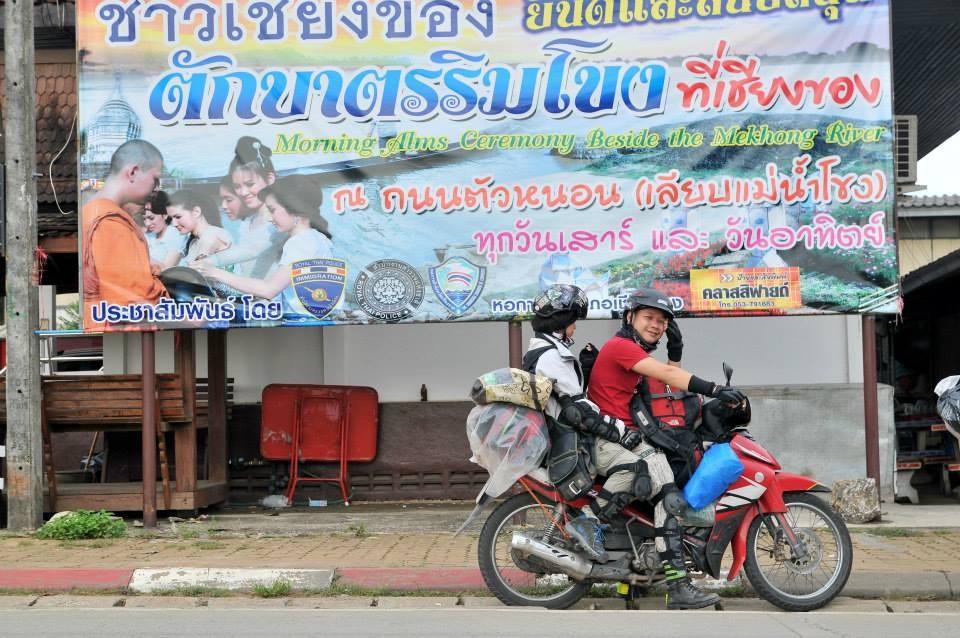 Đi nước ngoài bằng xe máy lại càng cần sự cẩn thận