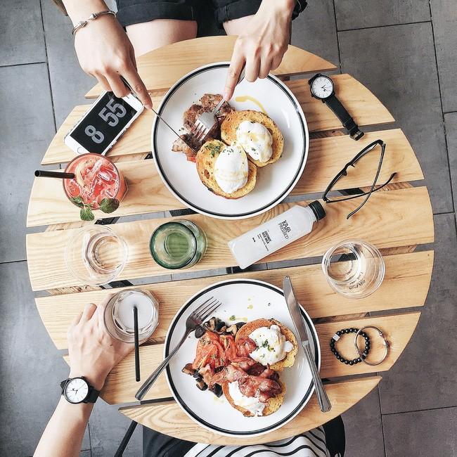 Egg Benedict - The Kafe. Giá: 100.000.