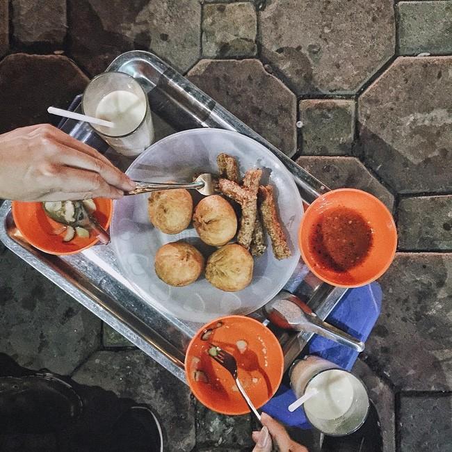 Bánh bao chiên - Nguyễn Trường Tộ. Giá: 20.000.