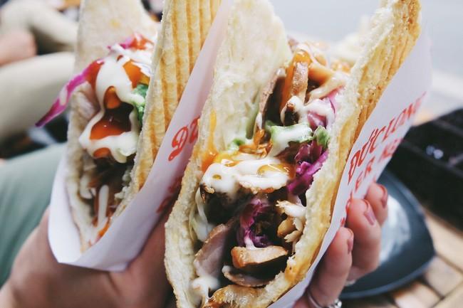 Bánh mì Kebab - Số 4 Lương Ngọc Quyến/ Bánh mì Đức Long. Giá: 30.000.