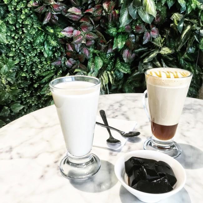 Trà sữa hương nhài - 24 Hoà Mã/ Cora Cafe. Giá: 55.000.