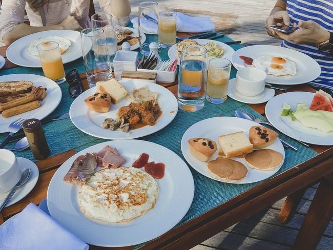 Dùng bữa sáng