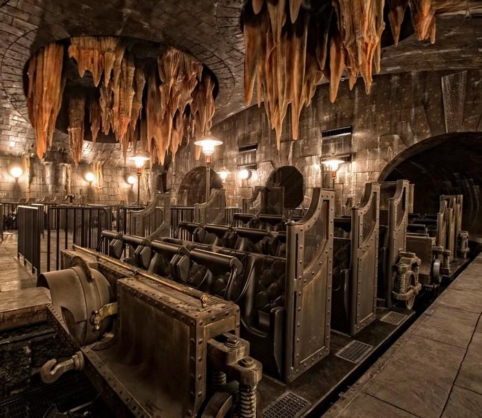 Đường hầm ngầm phía dưới ngân hàng