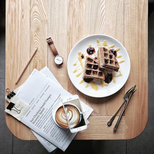 Bánh Waffle - the KAfe / 17 Phan Bội Châu. Giá: 40.000.